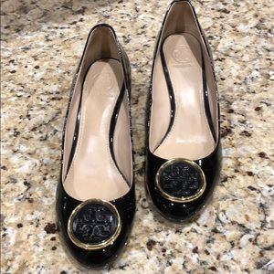 Tory Burch black and gold wedges size 7